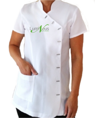Wit tuniek met Lumineus logo